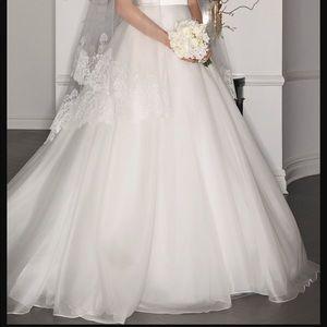 Romona Keveza Dresses - Romona Keveza legends wedding dress